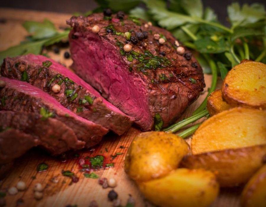 restaurant-eckernförde-24340-restaurant-essen-mittagstisch-steak-steakhaus-domkrug-hafen-tipp-steak-grillteller-1024×745